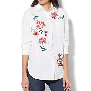 NWT NY&C Madison Stretch Shirt Embroidered Floral